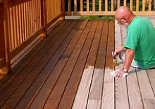 apply-deck-stain.jpg
